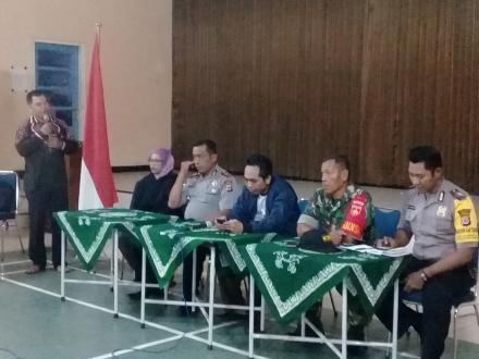 Pembekalan petugas Keamanan TPS / LINMAS untuk suksesnya Pesta Demokrasi